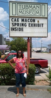 Alicia_at_Tubman_Museum_in_Macon